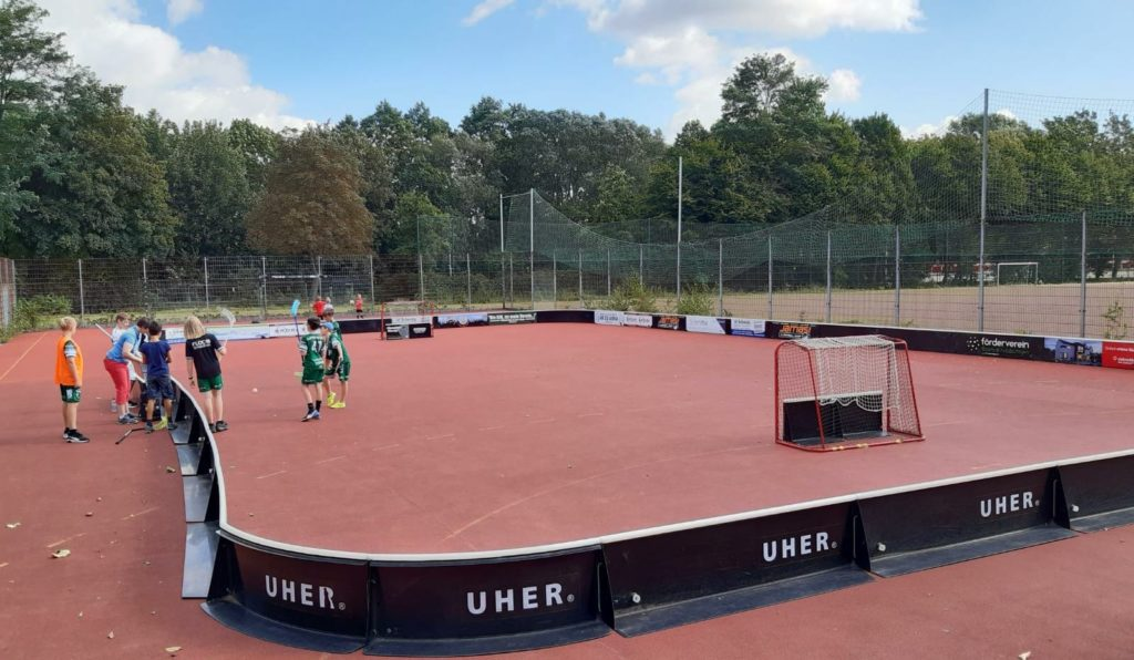 Floorball NRW Schiedsrichterkurs - Outdoor Feld in Holzbüttgen
