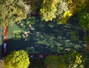 Floorball Outdoorfeld Luftaufnahme im Herbst